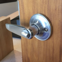 Lever Handle Entry Lock Set w/ Key, US26D